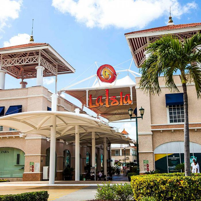 Visita los mejores centros comerciales en Cancún