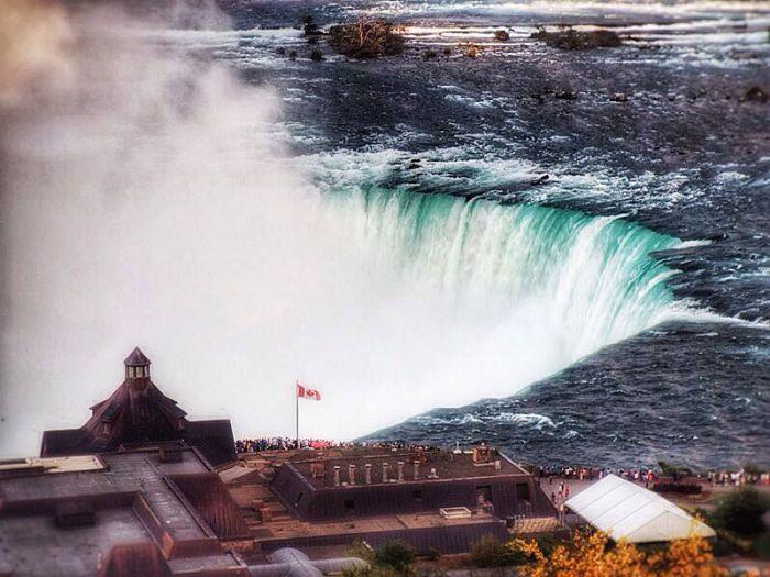 Admira las imponentes Cataratas del Niágara en Canadá