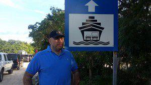 Esperando el ferry en el puerto de Calica, Play del Carmen