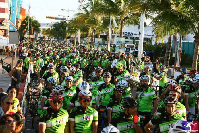Línea de salida de la carrera GFNY en Cozumel