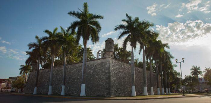 Campeche la experiencia pirata en la ciudad amurallada for Jardin botanico xmuch haltun