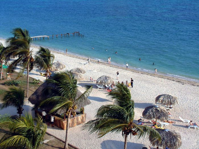 La tradición de los viajes a Cuba desde Cancún