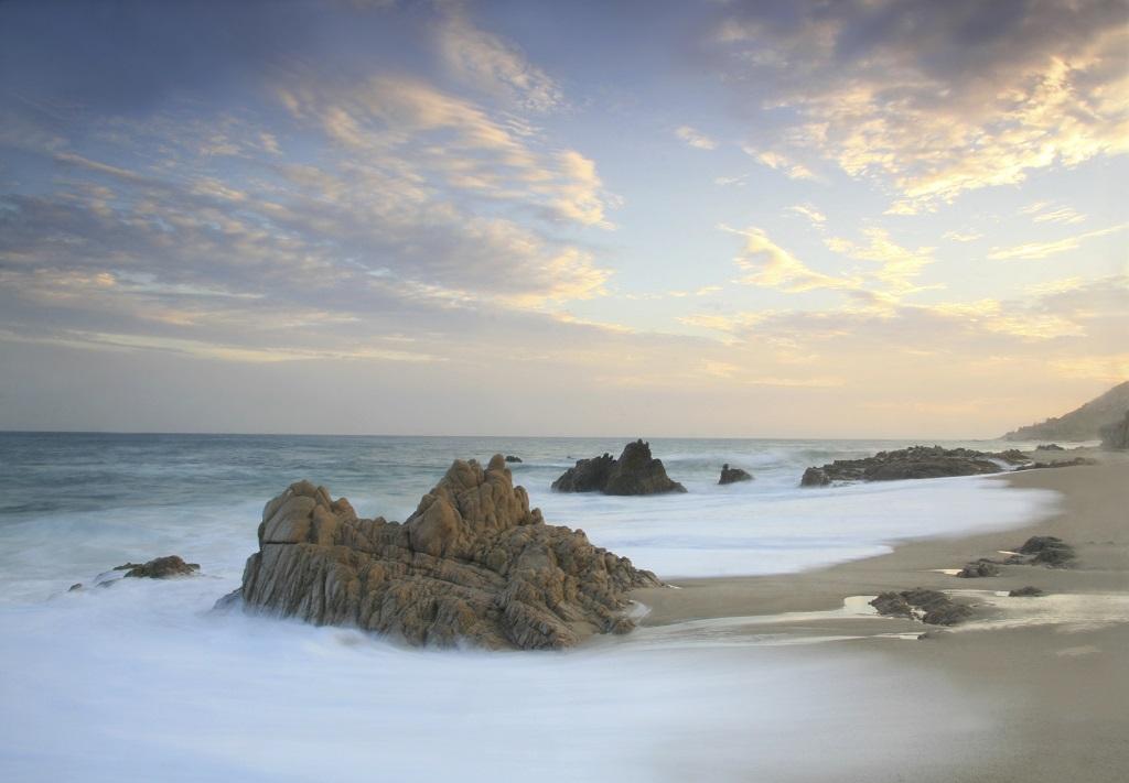 Los Cabos y la Riviera Nayarit: multifacéticas playas de México