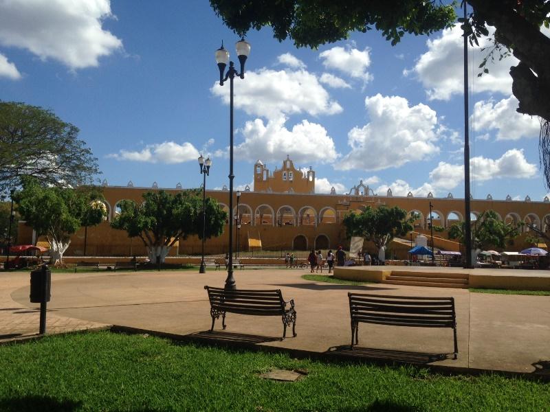Plaza principal del Pueblo Mágico de Izamal