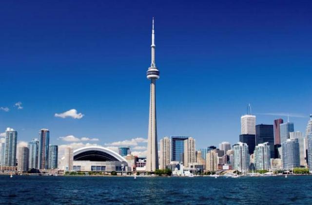Toronto se sitúa en la orilla norte del Lago Ontario