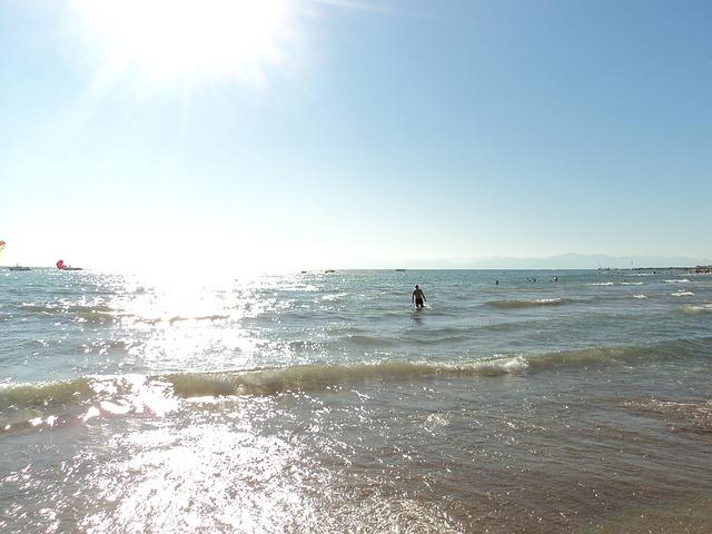 Se puede pensar que el mar Egeo baña sólo las costas de Grecia, las mejores playas de Turquía prueban lo contrario.