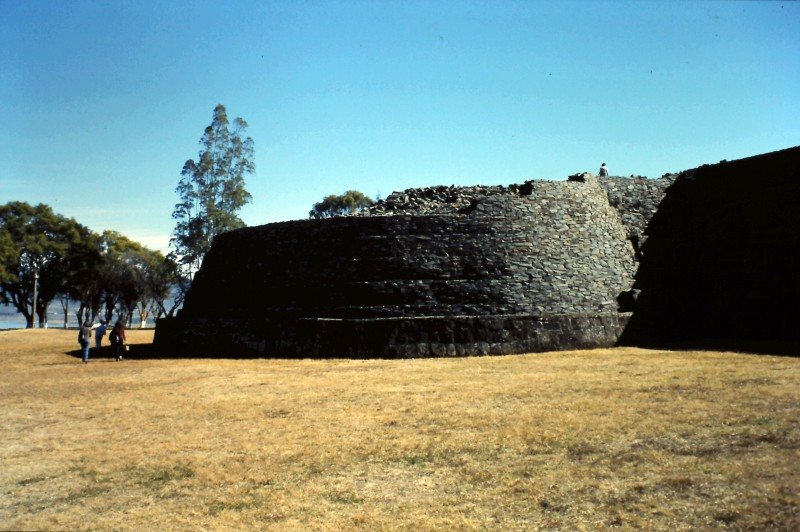 Visita Morelia y la zona arqueológica de Tzintzuntzan